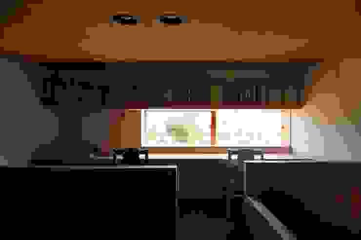 Estudios y despachos de estilo  de 宇佐美建築設計室, Clásico