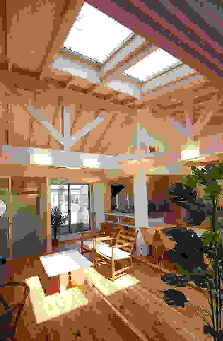 とっても明るい開放的なリビング 北欧デザインの リビング の 遠藤浩建築設計事務所 H,ENDOH ARCHTECT & ASSOCIATES 北欧