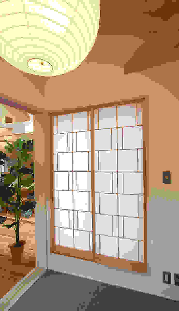 タタミコーナー モダンデザインの 多目的室 の 遠藤浩建築設計事務所 H,ENDOH ARCHTECT & ASSOCIATES モダン