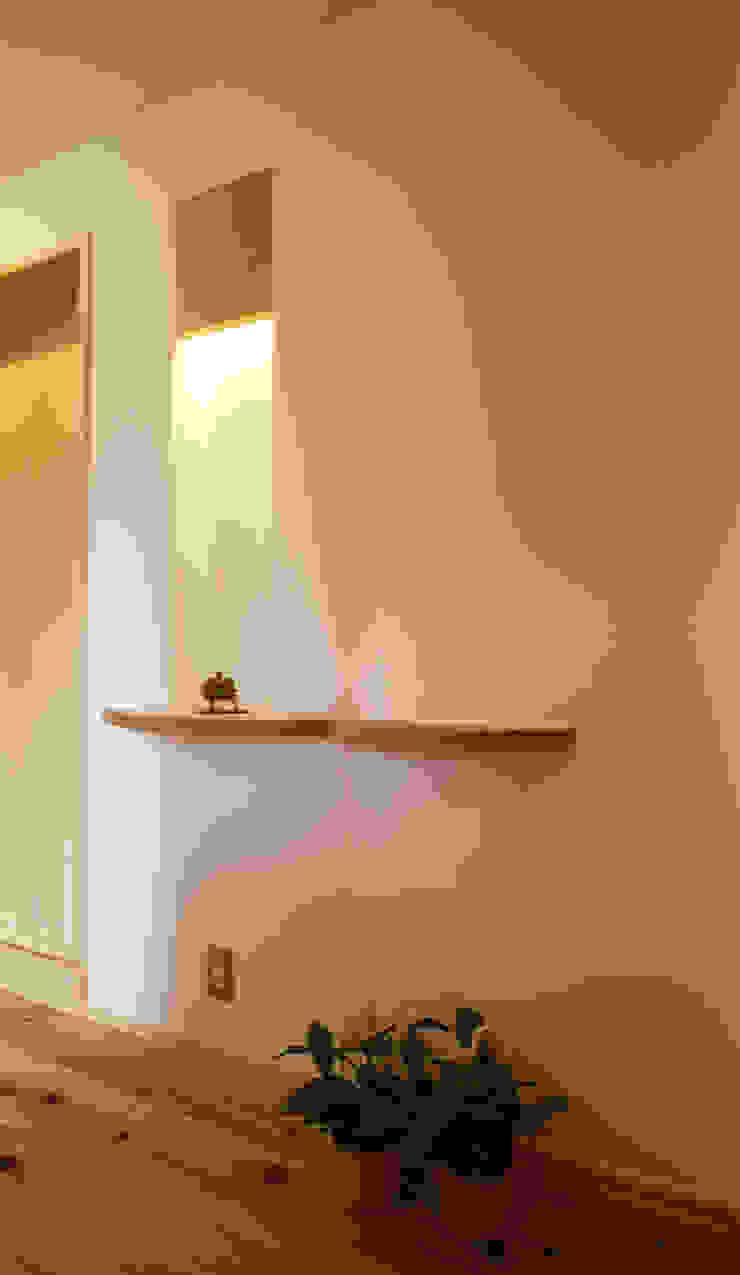 玄関のニッチ モダンスタイルの 玄関&廊下&階段 の 遠藤浩建築設計事務所 H,ENDOH ARCHTECT & ASSOCIATES モダン