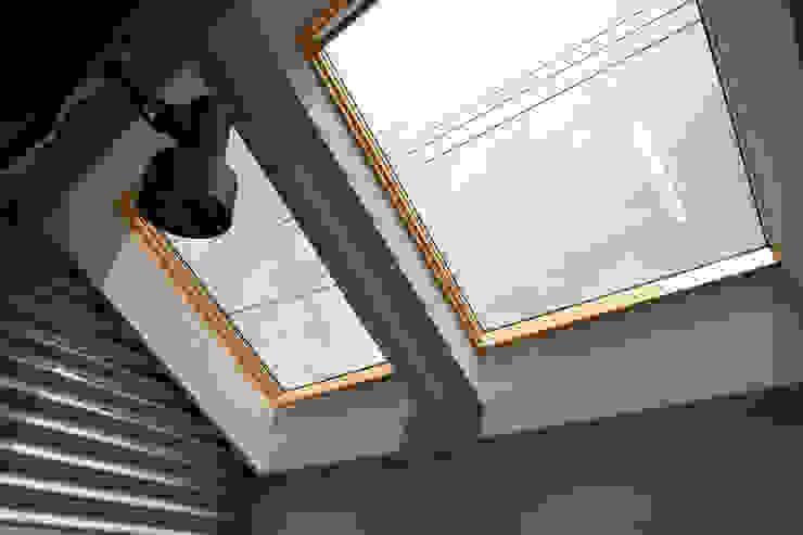 インナーバルコニー モダンデザインの テラス の 遠藤浩建築設計事務所 H,ENDOH ARCHTECT & ASSOCIATES モダン