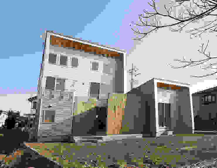 南側外観 モダンな 家 の 遠藤浩建築設計事務所 H,ENDOH ARCHTECT & ASSOCIATES モダン