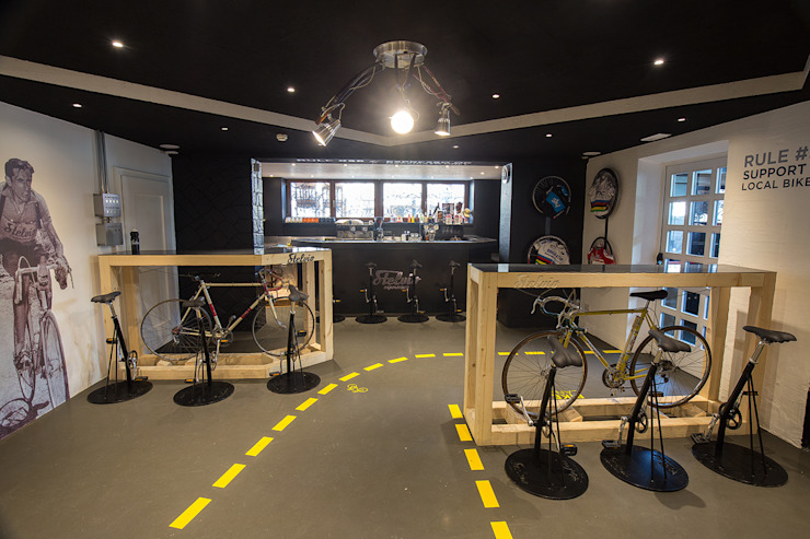 Stelvio Experience Bicycle Cafe Bar & Club moderni di BEARprogetti - Architetto Enrico Bellotti Moderno