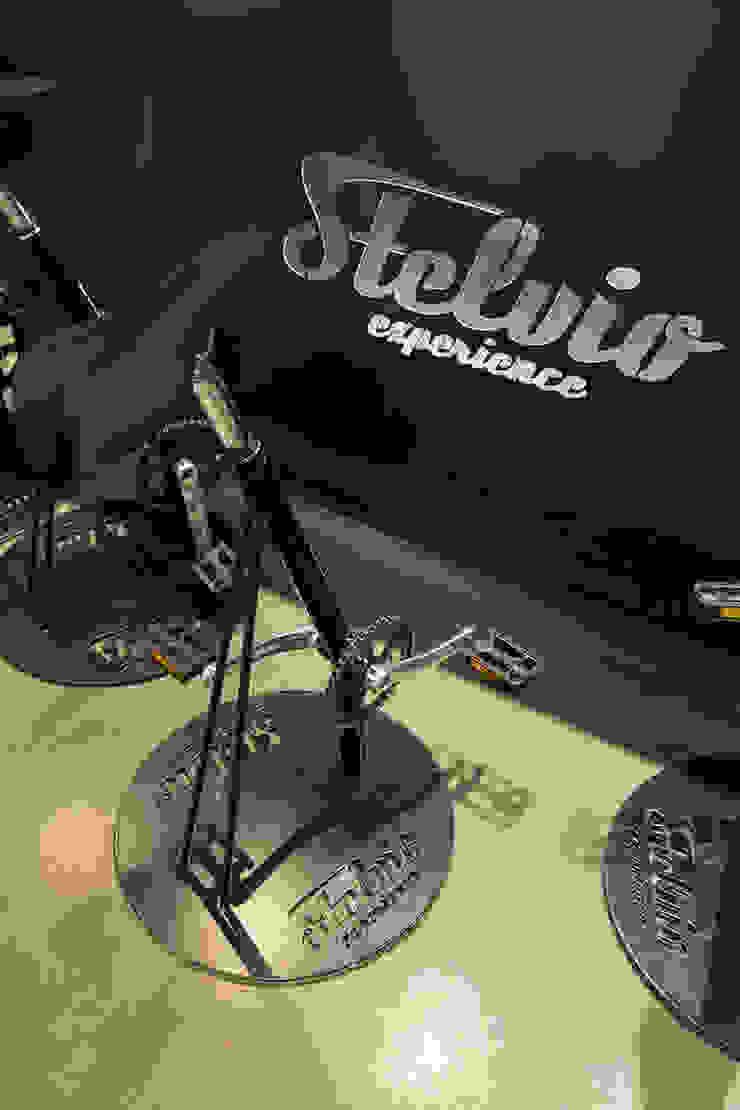 Stelvio Experience Bicycle Cafe Bar & Club moderni di BEARprogetti - Architetto Enrico Bellotti Moderno