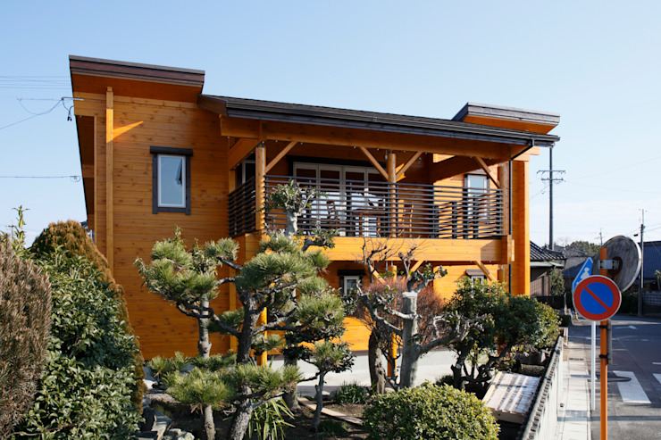 Wiejskie domy od 木の家株式会社 Wiejski