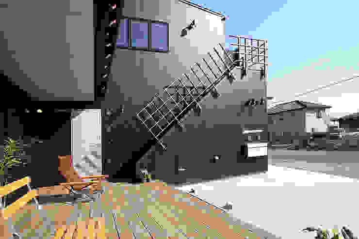 外部階段 モダンな 家 の 遠藤浩建築設計事務所 H,ENDOH ARCHTECT & ASSOCIATES モダン