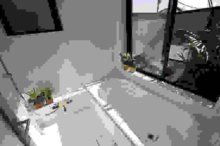 浴室 モダンスタイルの お風呂 の 遠藤浩建築設計事務所 H,ENDOH ARCHTECT & ASSOCIATES モダン