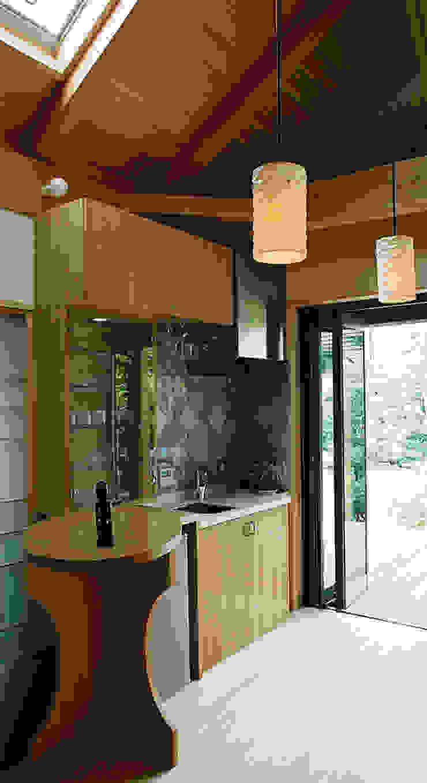 ちょっとしたミニキッチン カントリーデザインの キッチン の 遠藤浩建築設計事務所 H,ENDOH ARCHTECT & ASSOCIATES カントリー