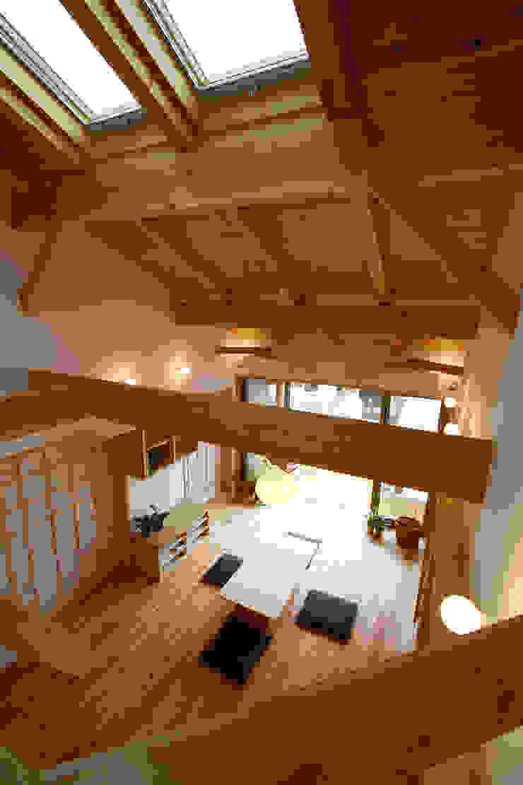 Soggiorno rurale di 遠藤浩建築設計事務所 H,ENDOH ARCHTECT & ASSOCIATES Rurale