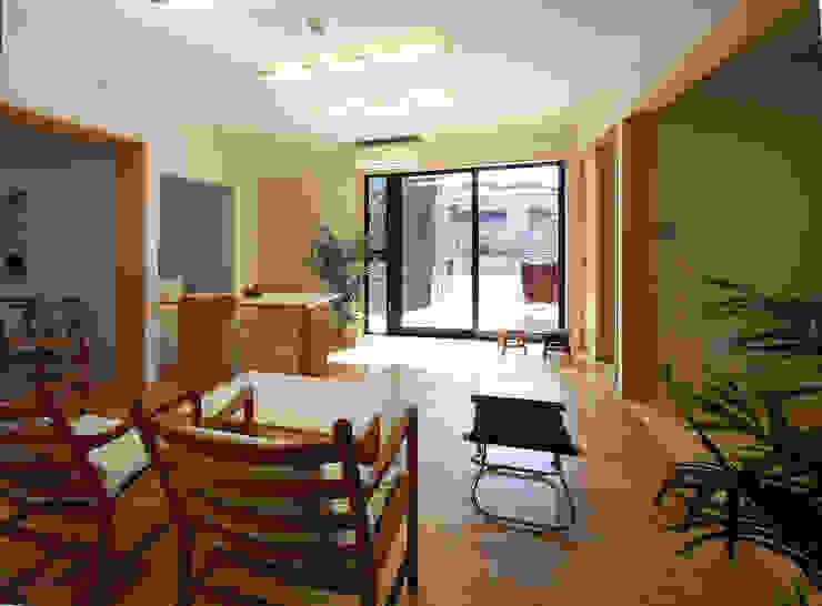 1階親世帯 モダンデザインの リビング の 遠藤浩建築設計事務所 H,ENDOH ARCHTECT & ASSOCIATES モダン