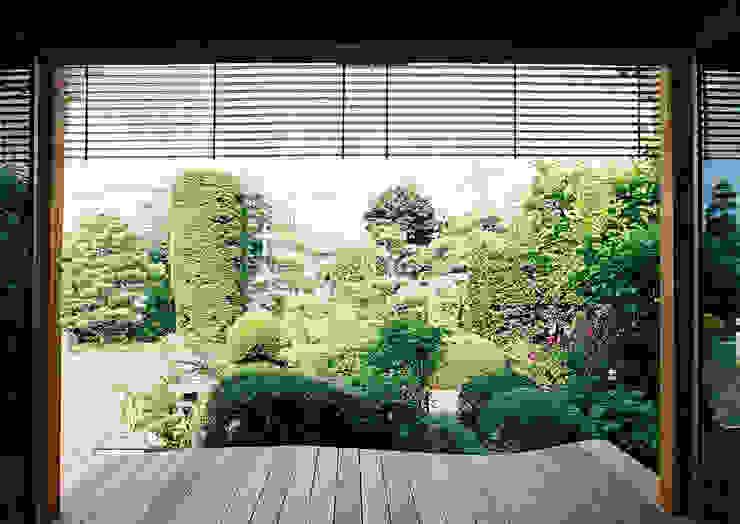 ウッドデッキ カントリーデザインの テラス の 遠藤浩建築設計事務所 H,ENDOH ARCHTECT & ASSOCIATES カントリー
