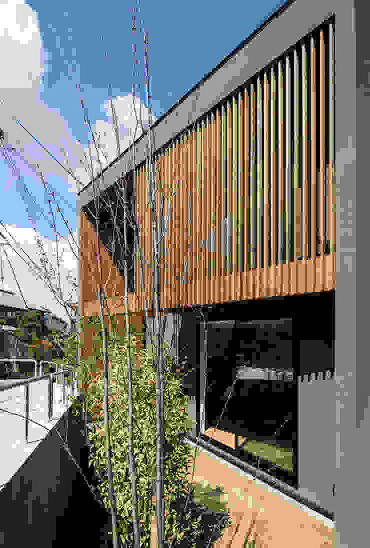 House of Yabugaoka モダンな 壁&床 の flame-planningoffice / 一級建築士事務所フレイム モダン