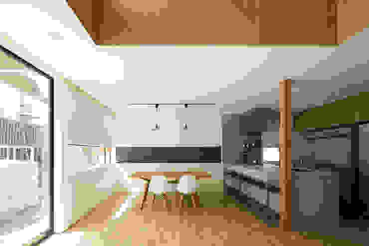 House of Yabugaoka モダンデザインの ドレッシングルーム の flame-planningoffice / 一級建築士事務所フレイム モダン