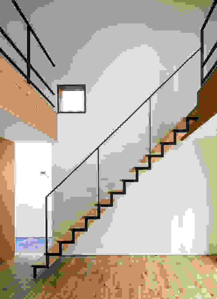 House of Yabugaoka モダンスタイルの 玄関&廊下&階段 の flame-planningoffice / 一級建築士事務所フレイム モダン