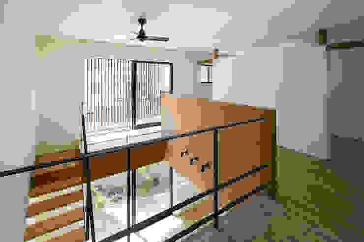 House of Yabugaoka モダンデザインの 多目的室 の flame-planningoffice / 一級建築士事務所フレイム モダン