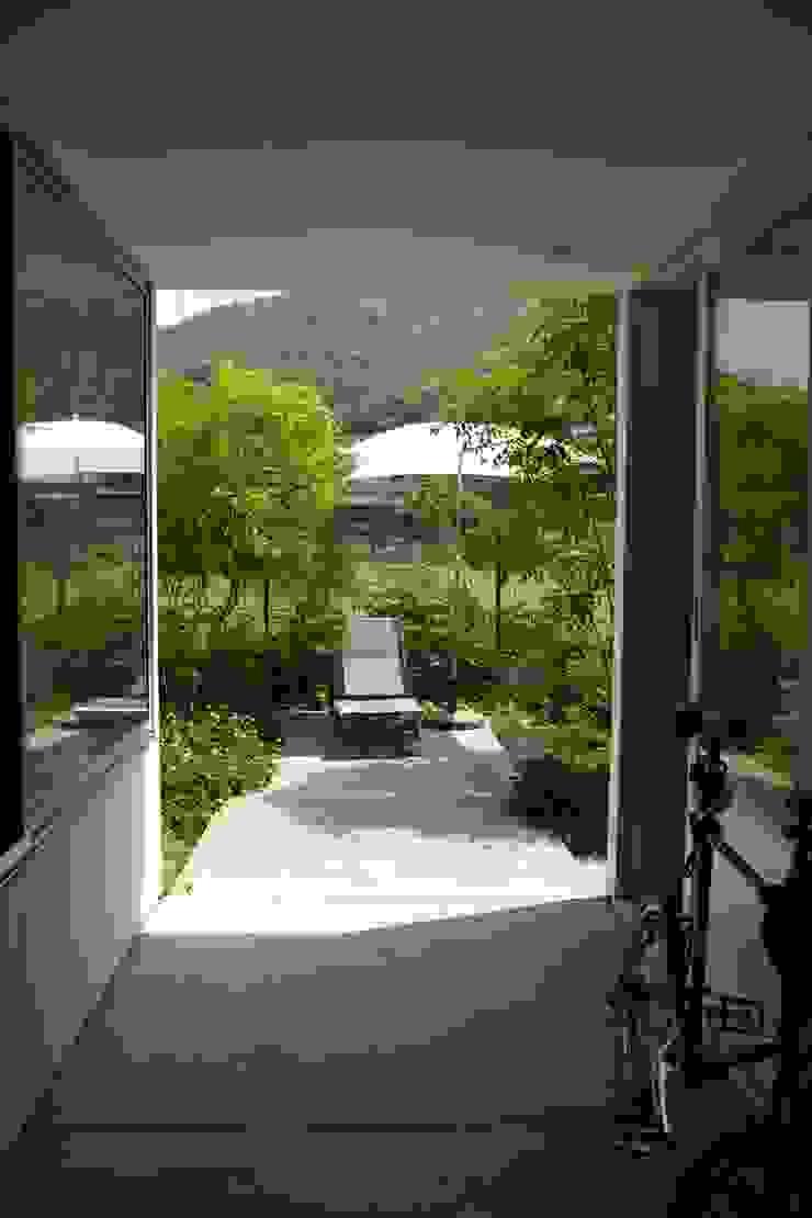 9坪ハウス+α 北欧デザインの テラス の nido architects 古松原敦志一級建築士事務所 北欧