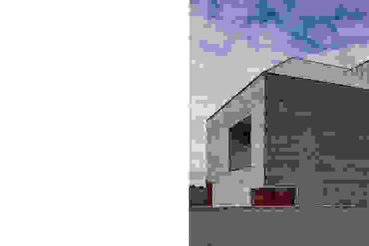 Atelier Central Arquitectos Minimalist houses
