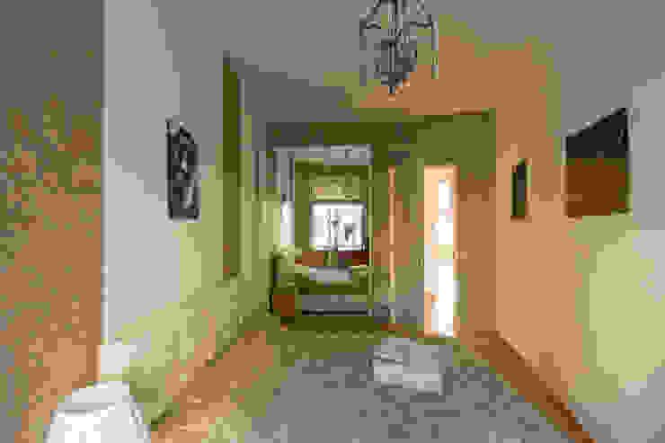 """""""Шутливый дизайн"""" - квартира в Москве Спальня в стиле минимализм от D&T Architects Минимализм"""