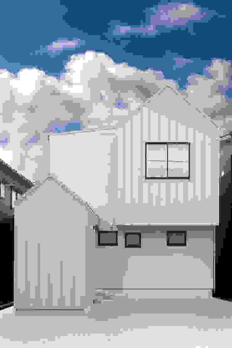 アンティークドアの家 / zuiun モダンな 家 の zuiun建築設計事務所 / 株式会社 ZUIUN モダン