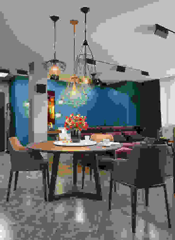 Verge of luxury Столовая комната в эклектичном стиле от VAE DESIGN GROUP™ Эклектичный