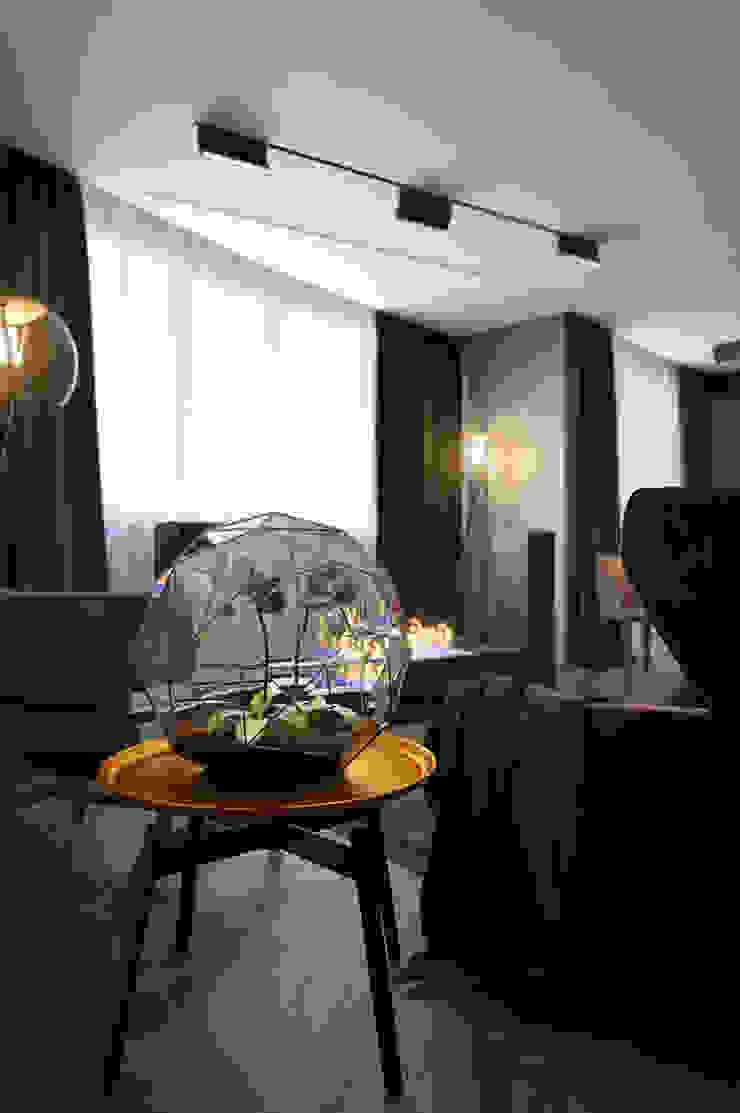 Verge of luxury Гостиные в эклектичном стиле от VAE DESIGN GROUP™ Эклектичный