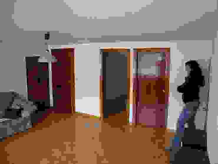 Salón original de ESTUDIO DE ARQUITECTURA 4TRAZOS Moderno