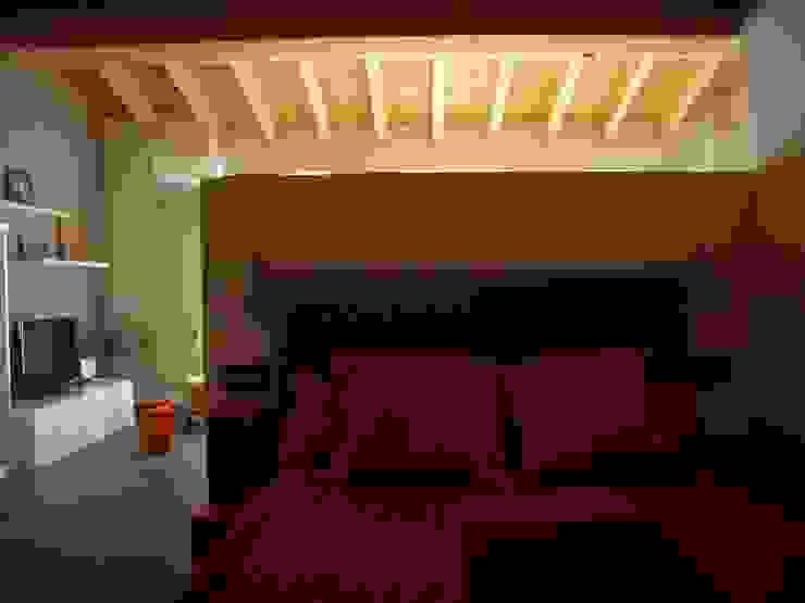 Dormitorio Dormitorios de estilo ecléctico de ESTUDIO DE ARQUITECTURA 4TRAZOS Ecléctico