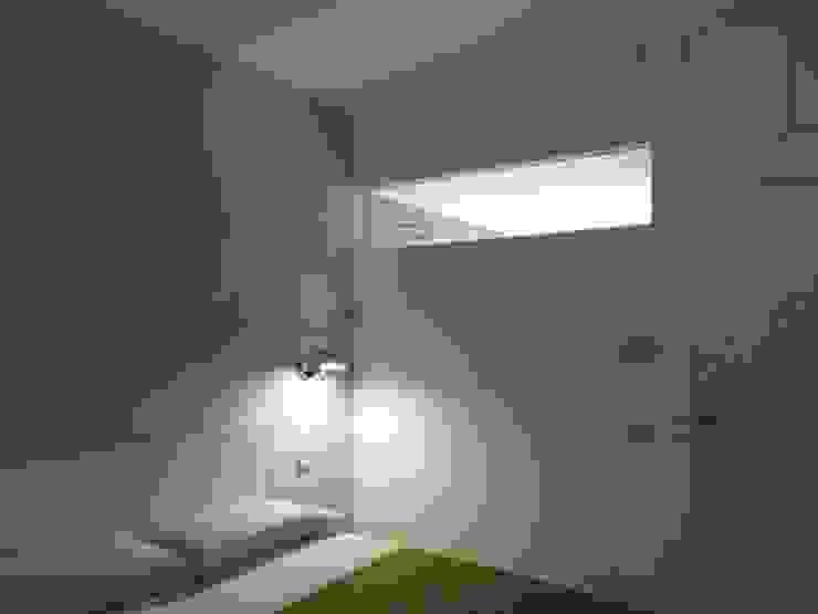 Minimalist Yatak Odası gk architetti (Carlo Andrea Gorelli+Keiko Kondo) Minimalist