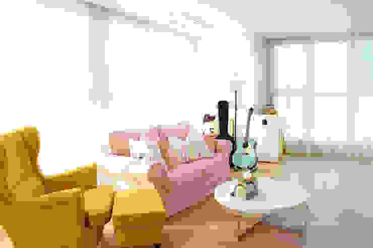 Sala de estar  por 모린홈