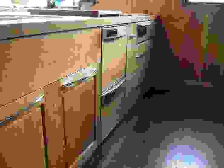 リフォーム後 アメリカンチェリー材キッチン 2: 一枚板テーブルと無垢材家具・キッチンの祭り屋が手掛けた折衷的なです。,オリジナル