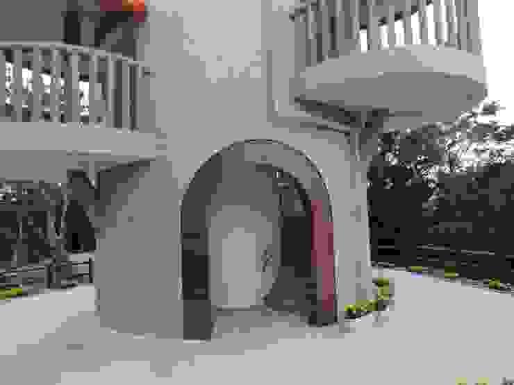 巨木の隠れ家 地中海風イベント会場 の (株)スペースデザイン設計(一級建築士事務所) 地中海