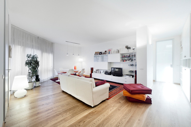 Modern Living Room by 23bassi studio di architettura Modern Wood Wood effect