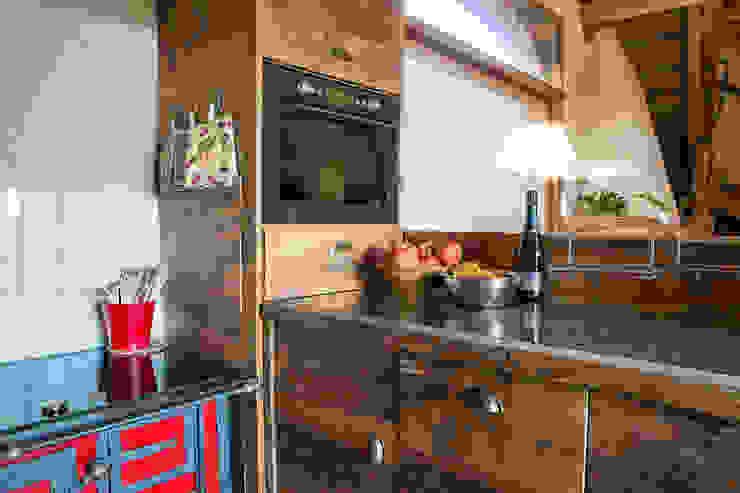 Rustikale Küchen von RI-NOVO Rustikal