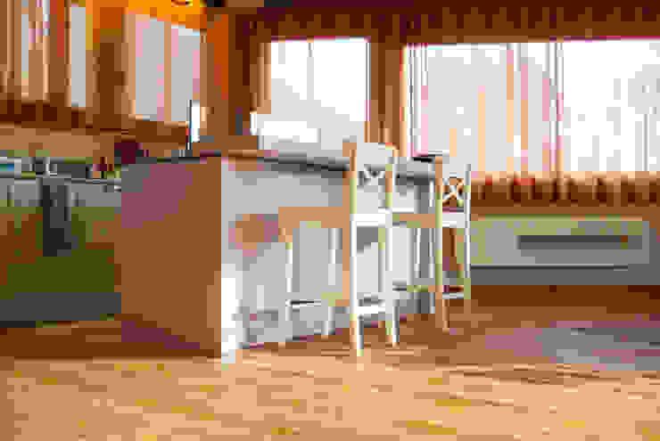 Cozinhas rústicas por RI-NOVO Rústico