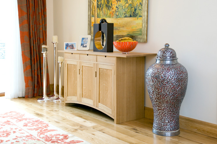 Sideboard of solid european oak: minimalist  by Andrew Lawton Furniture, Minimalist