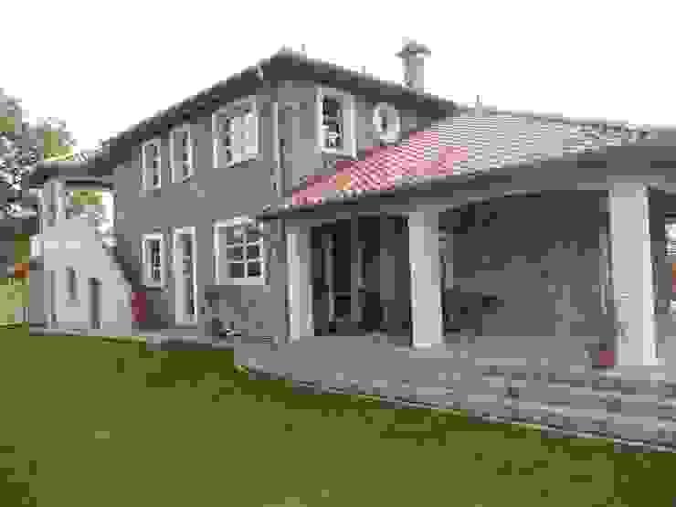 Casas de estilo mediterráneo de Architekturbüro Heuer Mediterráneo