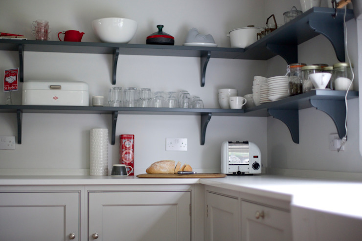 The Thatched Cottage, Suffolk   Modern Soft Grey Country Cottage Kitchen Humphrey Munson Country style kitchen