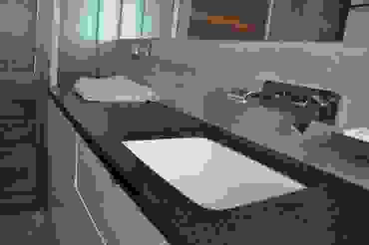 ENDE marcin lewandowicz Modern Bathroom