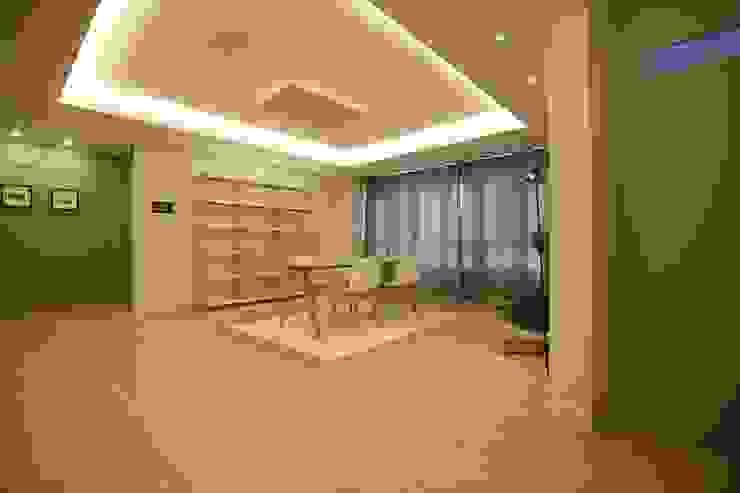 심플한 라이프 스타일의 아파트 모던스타일 거실 by 1204디자인 모던