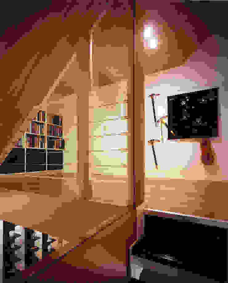 蓼科の家: 加藤將己/将建築設計事務所が手掛けた現代のです。,モダン