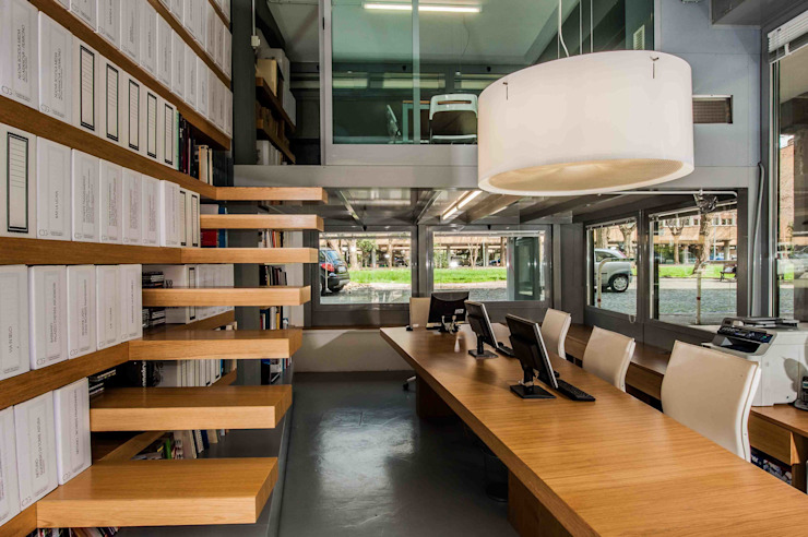 Study/office by studio di architettura Comes Del Gallo, Modern