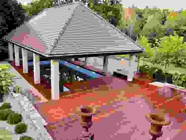 Tarasy-drewniane- Dorota Maciejewska Rustic style pool