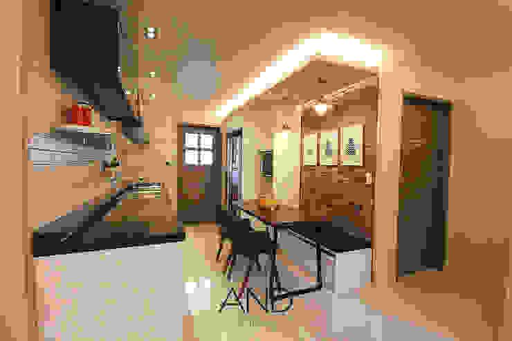 공간 활용도를 높인 모던인테리어 : 앤드컴퍼니의  다이닝 룸,모던