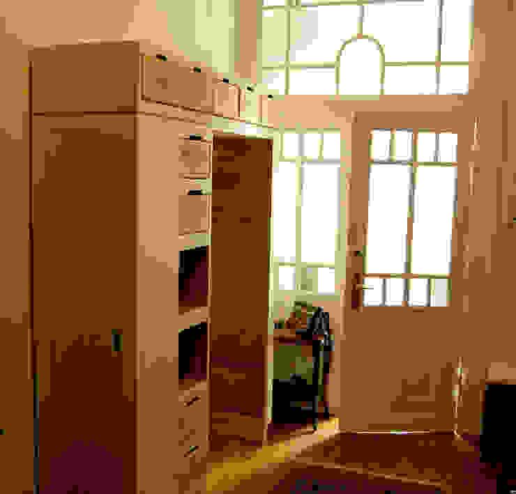 Couloir et hall d'entrée de style  par Lilja Walker´s Dynamische Kollektion, Classique