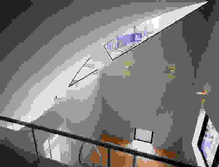 関町東の家: 加藤將己/将建築設計事務所が手掛けた現代のです。,モダン