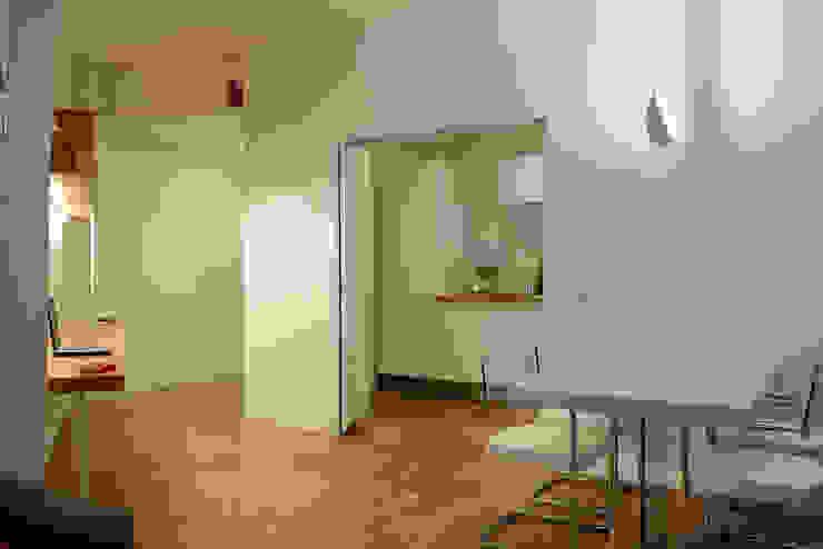 casa in via di Valle Corteno Giardino d'inverno moderno di studio di architettura Comes Del Gallo Moderno