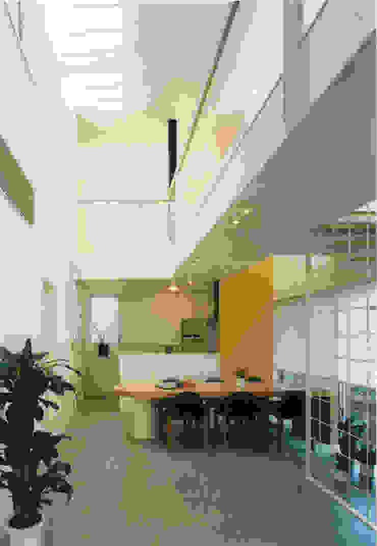 王禅寺の家 モダンデザインの リビング の 加藤將己/将建築設計事務所 モダン