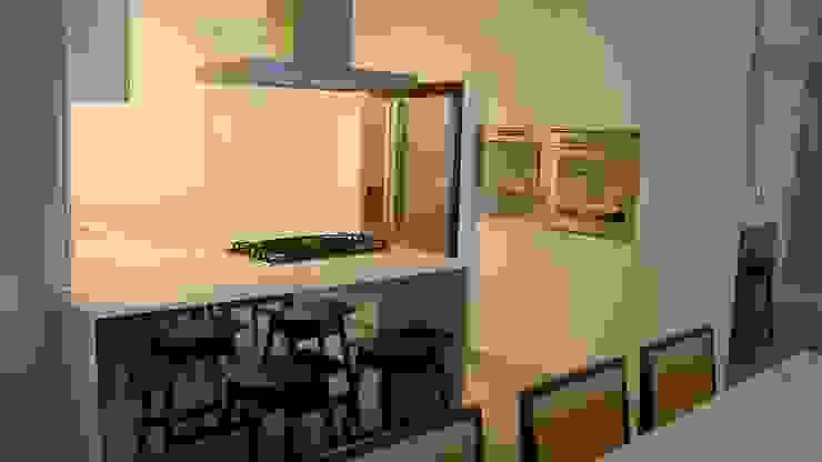 Moderne Küchen von Geraldo Brognoli Ludwich Arquitetura Modern