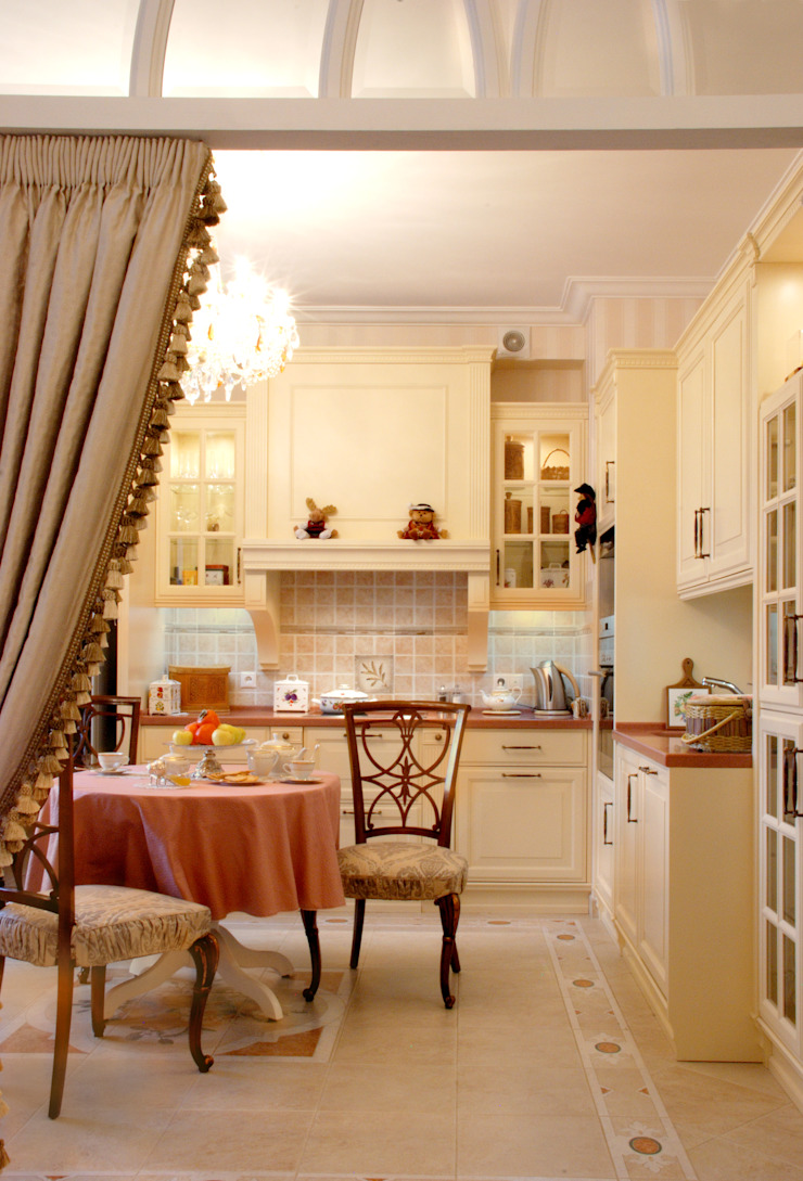 Цвета чайной розы D&T Architects Кухня в классическом стиле