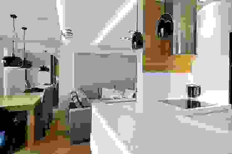 Beton udomowiony – czyli nowoczesne mieszkanie w Krakowie. Nowoczesny salon od ARTEMA PRACOWANIA ARCHITEKTURY WNĘTRZ Nowoczesny